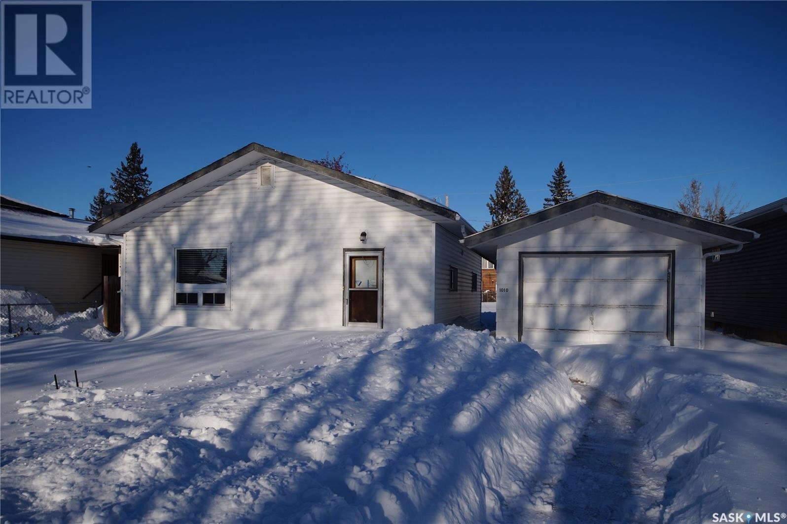 House for sale at 1010 4th St Rosthern Saskatchewan - MLS: SK833448