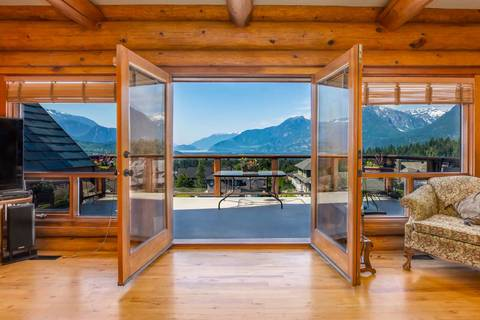 House for sale at 1010 Glacier View Dr Squamish British Columbia - MLS: R2350683