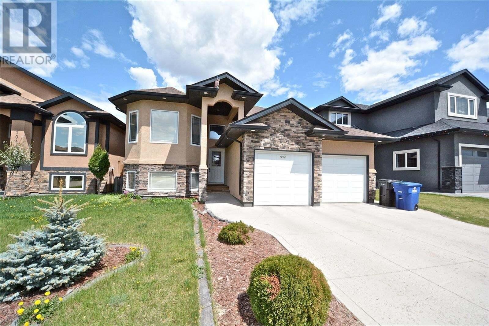 House for sale at 1010 Muzyka Rd Saskatoon Saskatchewan - MLS: SK820802