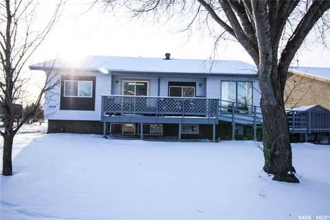 House for sale at 10108 Ross Cres North Battleford Saskatchewan - MLS: SK796574