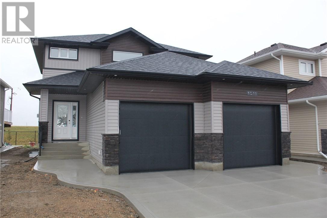 For Sale: 1011 Glacial Shores Cmn, Saskatoon, SK | 3 Bed, 3 Bath House for $499,900. See 27 photos!