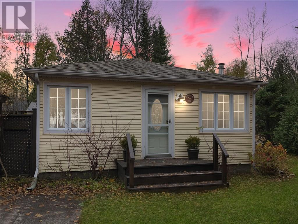 Removed: 1011 Shore Lane, Wasaga Beach, ON - Removed on 2018-12-18 04:33:05