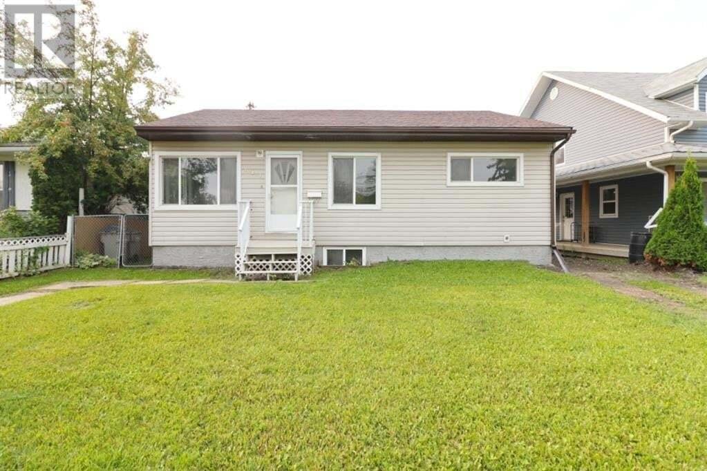 House for sale at 10121 108 Ave Grande Prairie Alberta - MLS: GP214764
