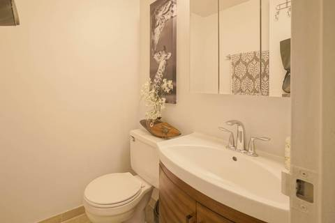Apartment for rent at 633 Bay St Unit 1013 Toronto Ontario - MLS: C4687826