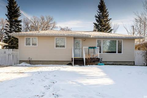 House for sale at 1013 Hopkins Cres Moose Jaw Saskatchewan - MLS: SK796424