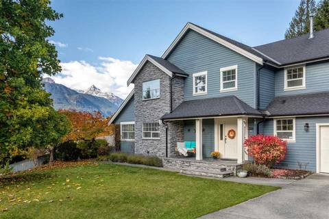 House for sale at 1013 Pia Rd Squamish British Columbia - MLS: R2440358