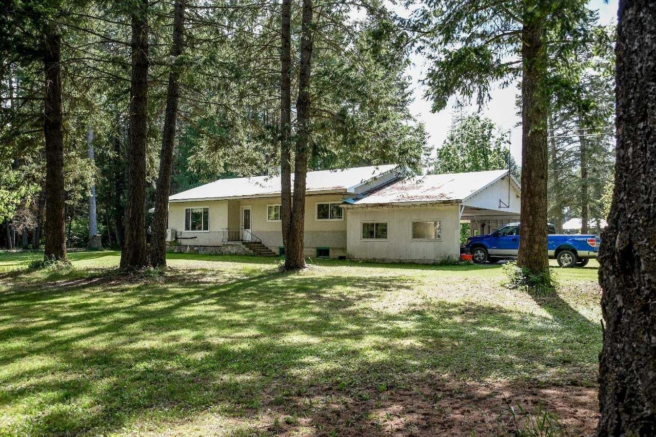 House for sale at 1015 Sinclair Road  Creston British Columbia - MLS: 2452727