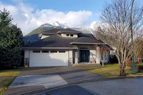 House for sale at 1016 Regency Pl Squamish British Columbia - MLS: R2430878
