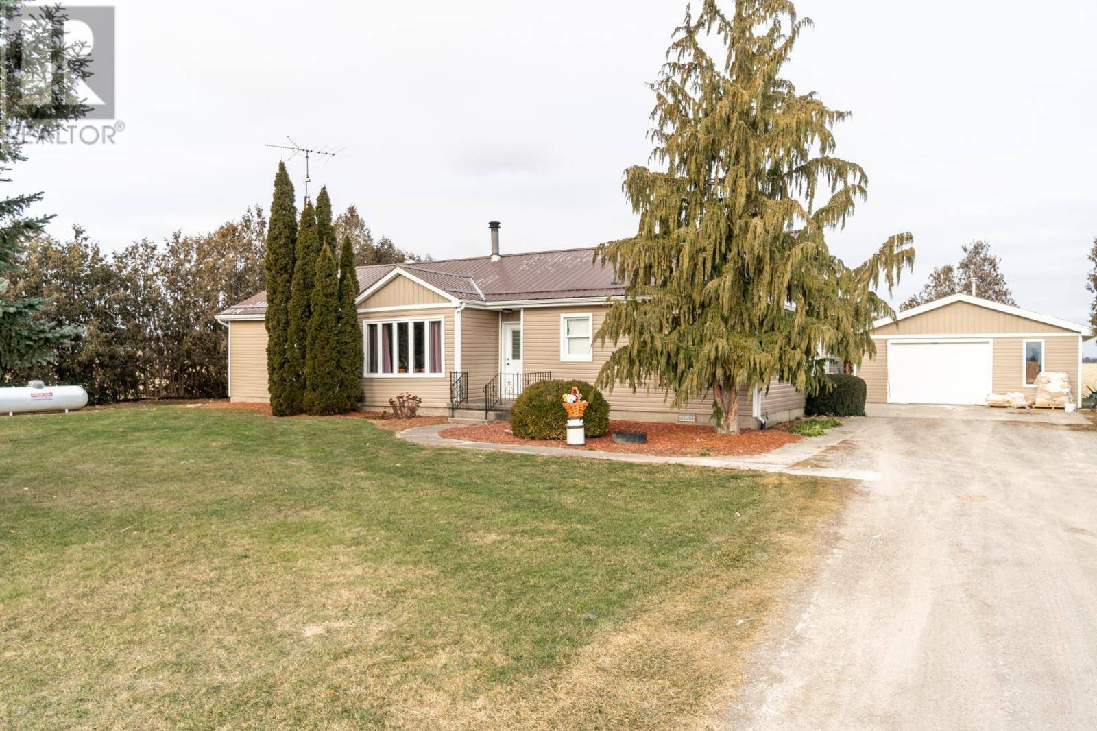 House for sale at 10173 Pioneer Line Chatham Ontario - MLS: 20000628