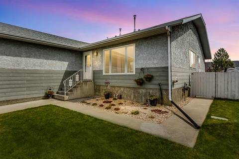 Townhouse for sale at 1017 10 Ave Southeast High River Alberta - MLS: C4295336