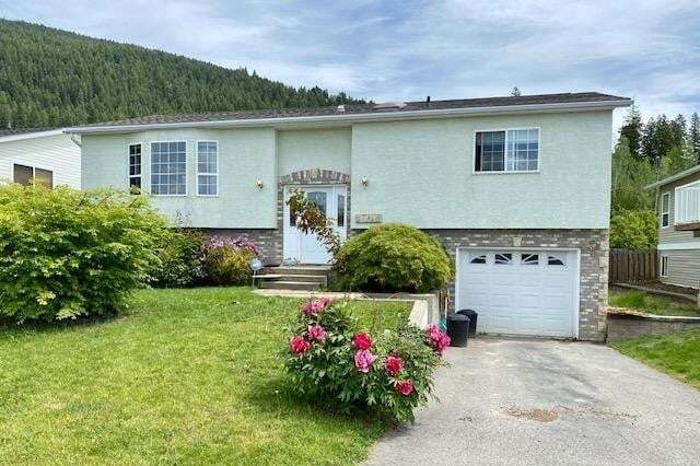 House for sale at 1018 11th Avenue N  Creston British Columbia - MLS: 2452323