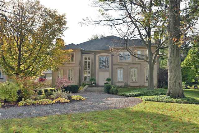 For Sale: 1019 Scenic Drive, Hamilton, ON | 5 Bed, 6 Bath House for $2,650,000. See 19 photos!