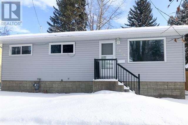 House for sale at 1019 Windsor Ave Penhold Alberta - MLS: ca0188396