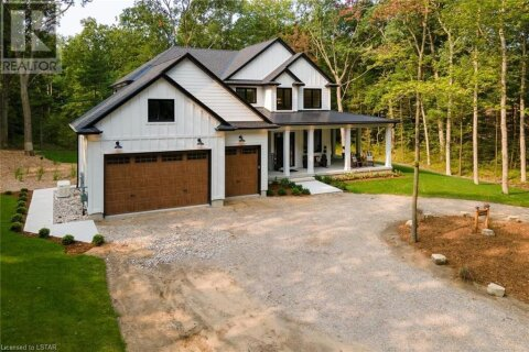 House for sale at 10195 Red Pine Rd Grand Bend Ontario - MLS: 40023397