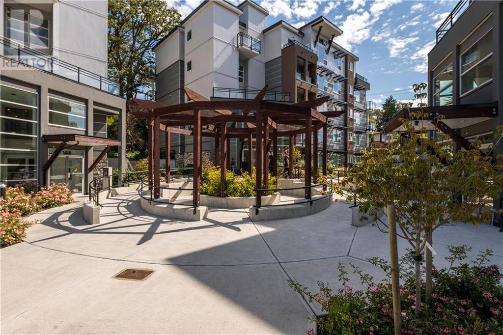 Condo for sale at 1020 Inverness Rd Unit 102 Victoria British Columbia - MLS: 414648