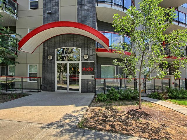 Buliding: 10611 117 Street, Edmonton, AB