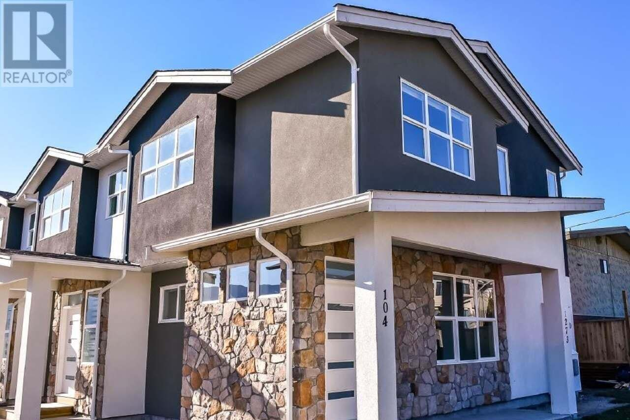 Townhouse for sale at 1273 Government St Unit 102 Penticton British Columbia - MLS: 183458