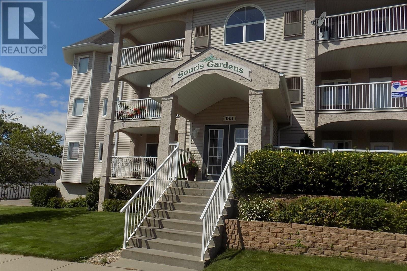 Condo for sale at 133 5th St NE Unit 102 Weyburn Saskatchewan - MLS: SK821799