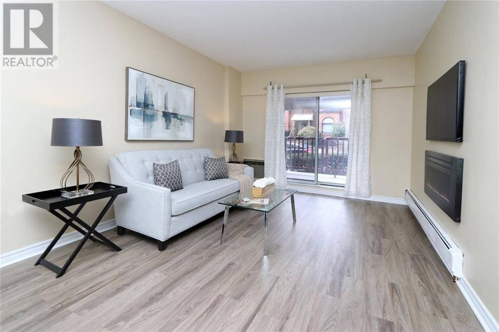 Condo for sale at 141 Catharine St South Unit 102 Hamilton Ontario - MLS: 30791018