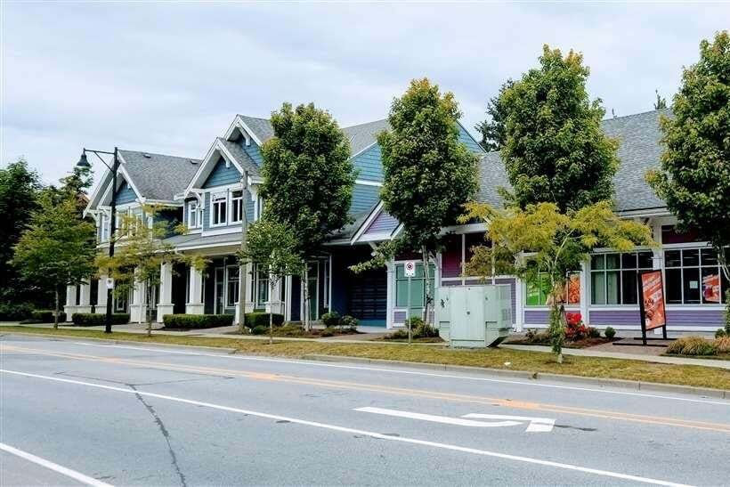 Commercial property for lease at 16793 60 Ave Apartment 102 Cloverdale British Columbia - MLS: C8032587