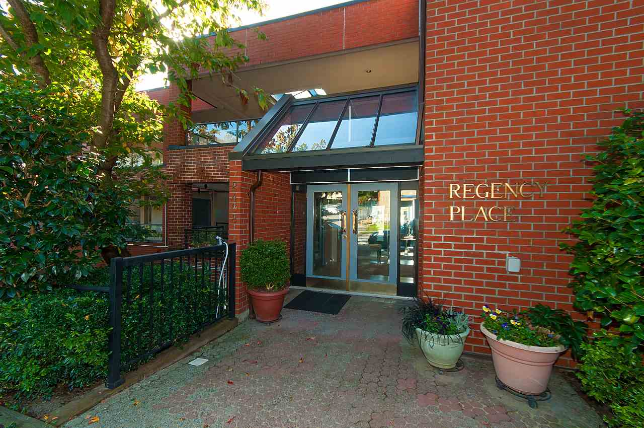 Regency Place Condos: 2408 Haywood Avenue, West Vancouver, BC