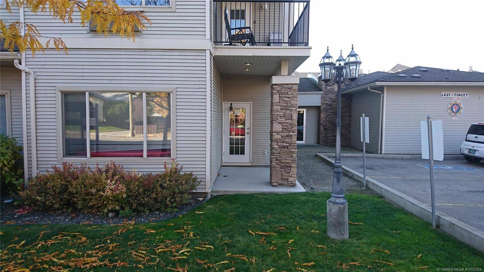 Commercial property for sale at 250 Dougall Rd Unit 102 Kelowna British Columbia - MLS: 10193254