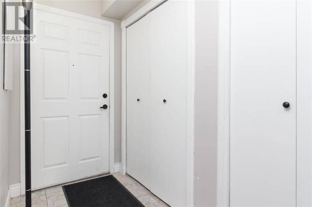 Condo for sale at 2511 Quadra St Unit 102 Victoria British Columbia - MLS: 420233