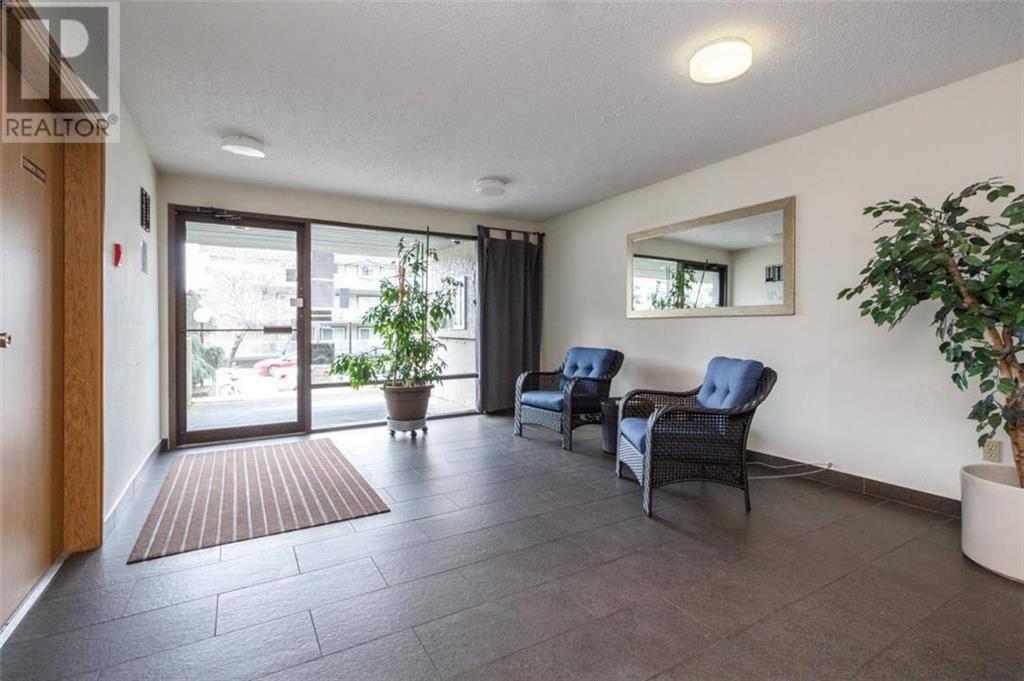 Condo for sale at 3255 Glasgow Ave Unit 102 Victoria British Columbia - MLS: 417557
