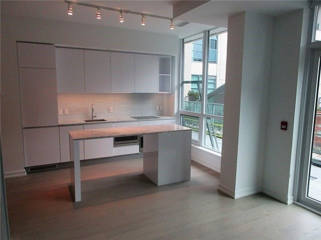 For Rent: 102 - 377 Madison Avenue, Toronto, ON | 1 Bed, 1 Bath Condo for $2,400. See 17 photos!