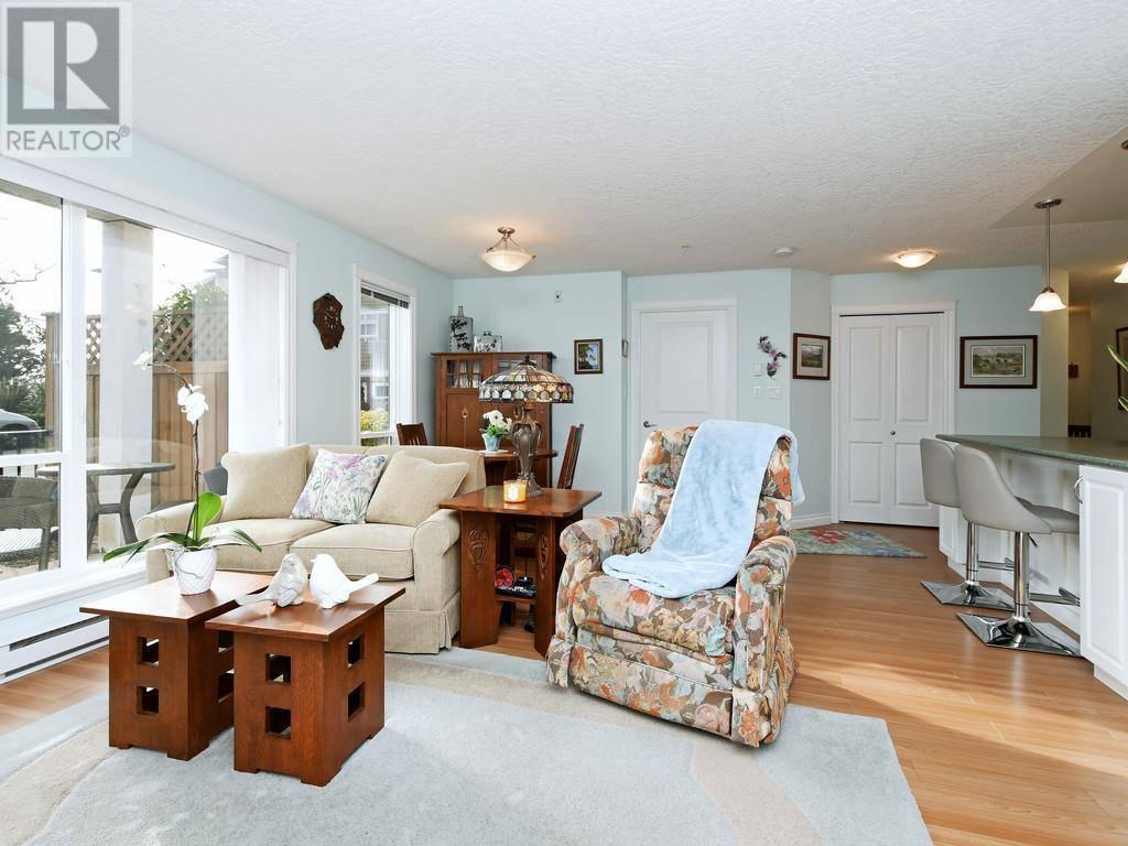 Condo for sale at 4536 Viewmont Ave Unit 102 Victoria British Columbia - MLS: 421364