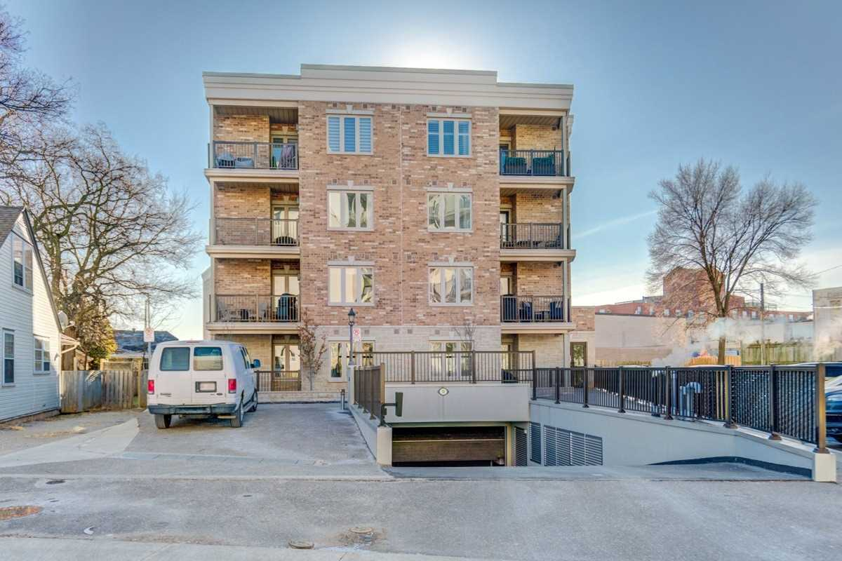 For Sale: 102 - 70 Stewart Street, Oakville, ON | 2 Bed, 2 Bath Condo for $429900.00. See 9 photos!