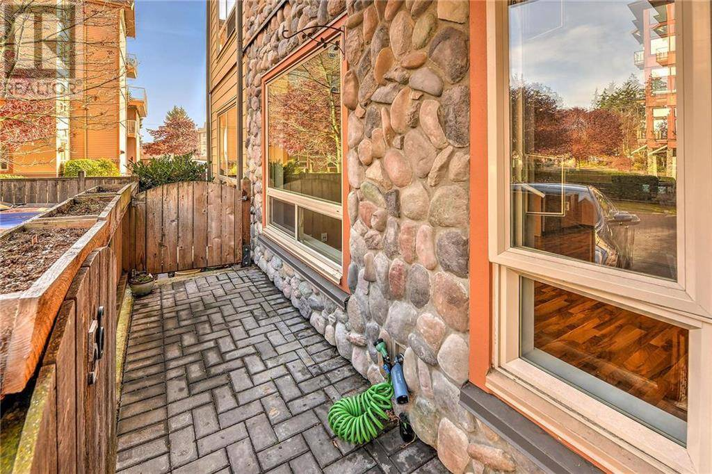 Condo for sale at 825 Goldstream Ave Unit 102 Victoria British Columbia - MLS: 417744