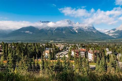 Home for sale at 102 Benchlands Te Canmore Alberta - MLS: C4263885