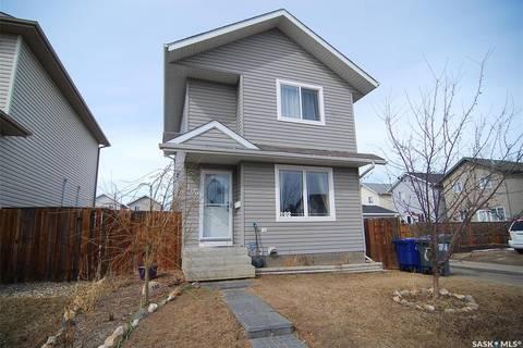 House for sale at 102 Blakeney Cres Saskatoon Saskatchewan - MLS: SK805024