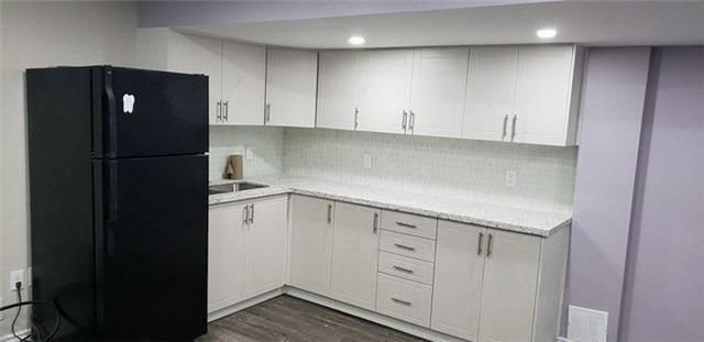 Townhouse for rent at 102 Crumlin Cres Brampton Ontario - MLS: W4436582