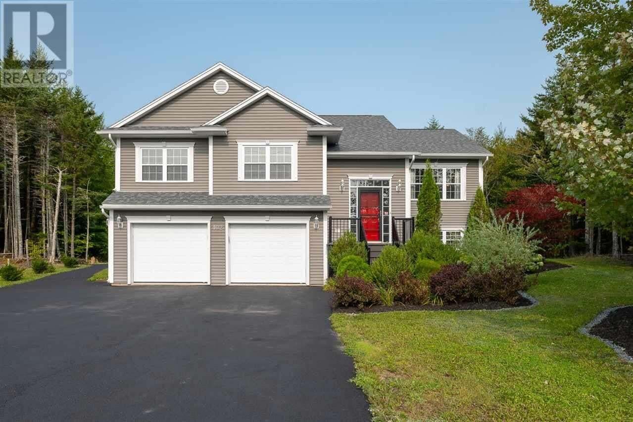 House for sale at 102 Daisywood Dr Hammonds Plains Nova Scotia - MLS: 202019521