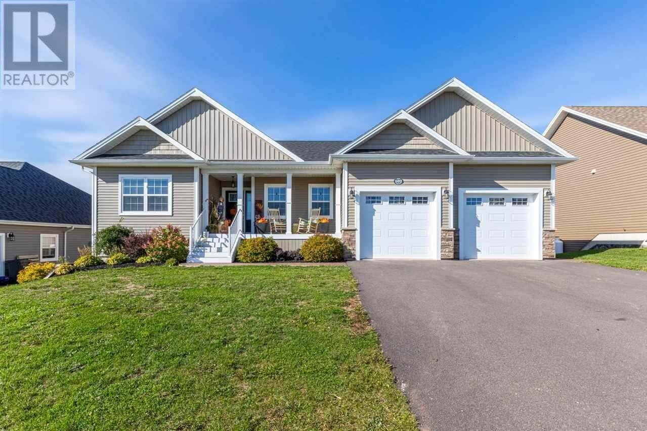 House for sale at 102 Essex Cres West Royalty Prince Edward Island - MLS: 202020079