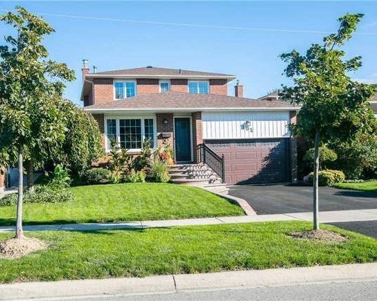 House for sale at 102 Fairglen Avenue Brampton Ontario - MLS: W4279713