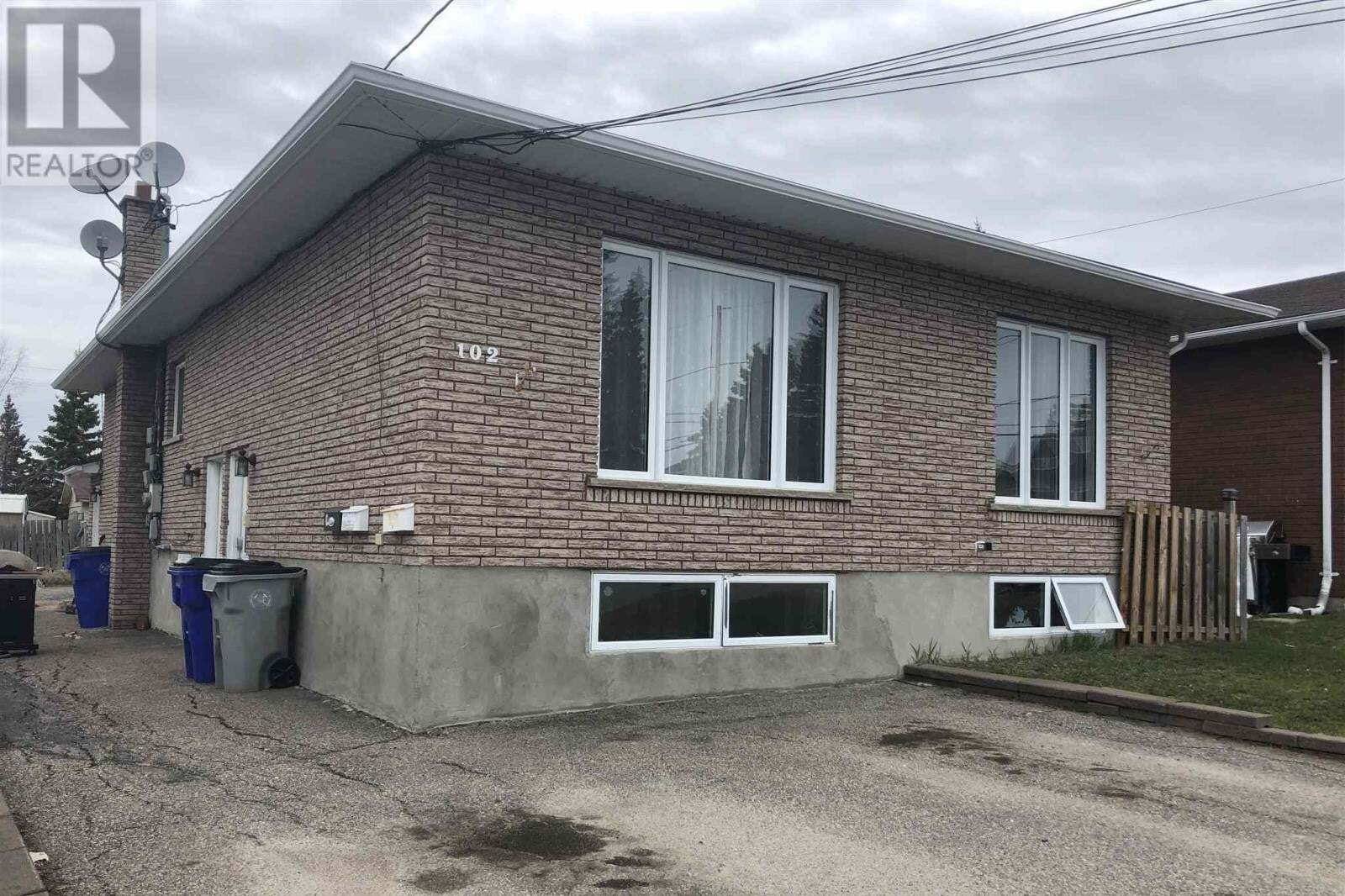 Townhouse for sale at 102 Floral Ave Timmins Ontario - MLS: TM200687