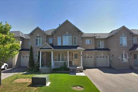 Townhouse for sale at 102 Gail Parks Cres Newmarket Ontario - MLS: N4770572