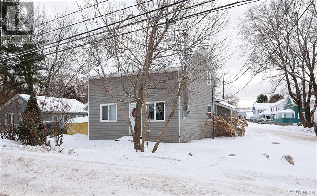 House for sale at 102 Greenwood Dr Fredericton New Brunswick - MLS: NB039024