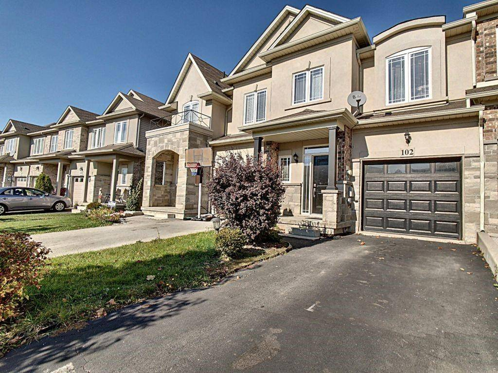 Townhouse for sale at 102 Highgate Dr Stoney Creek Ontario - MLS: H4066531