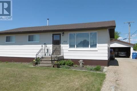 House for sale at 102 Kingston St Melfort Saskatchewan - MLS: SK795893