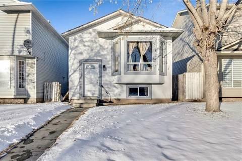 House for sale at 102 Martindale Blvd Northeast Calgary Alberta - MLS: C4295045