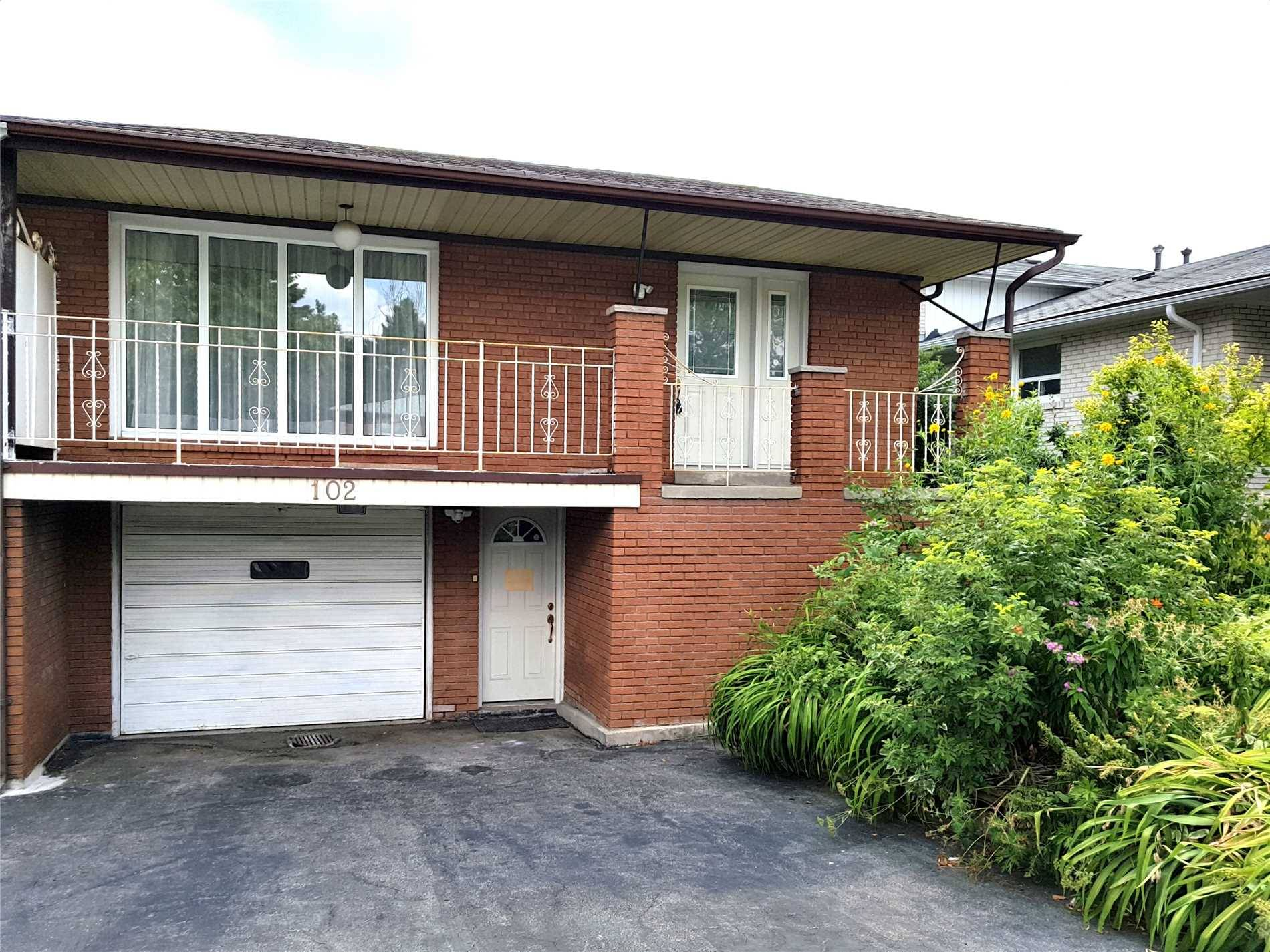 Townhouse for rent at 102 Mintwood Dr Toronto Ontario - MLS: C4483240