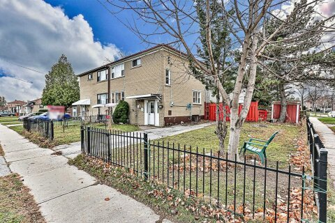 Townhouse for sale at 102 Overture Rd Toronto Ontario - MLS: E4995752