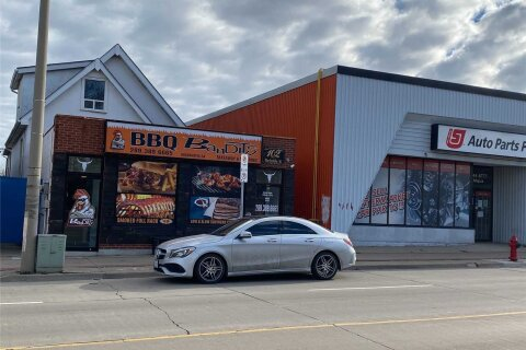 102 Parkdale Avenue, Hamilton | Image 1