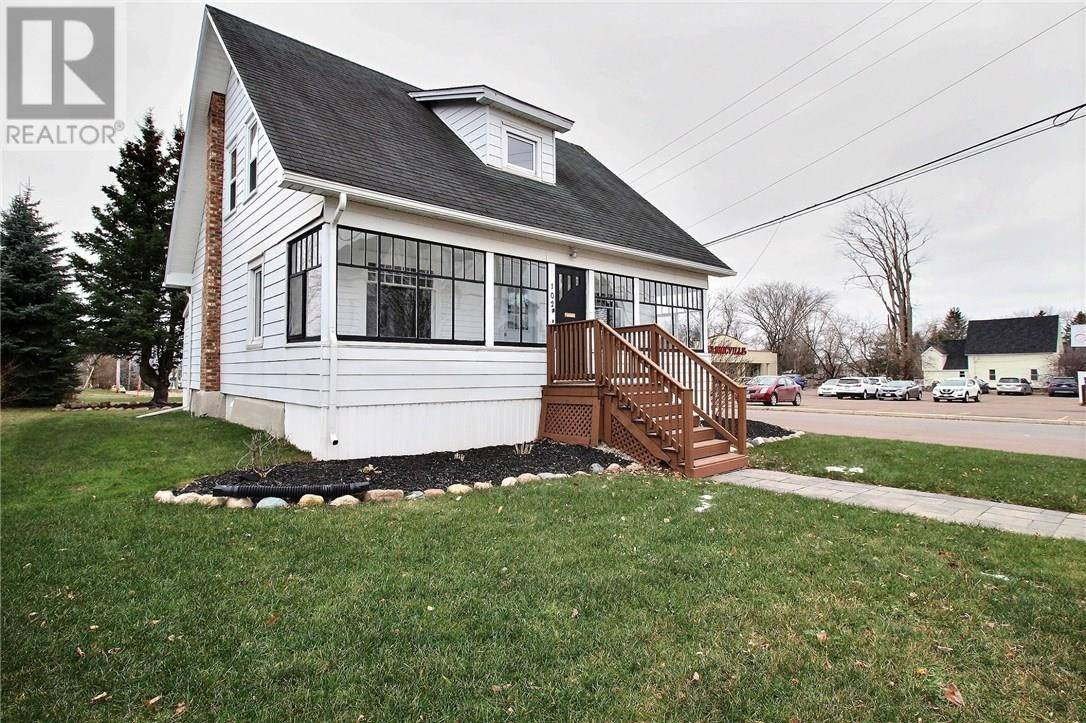 House for sale at 102 Pleasant St Moncton New Brunswick - MLS: M126372