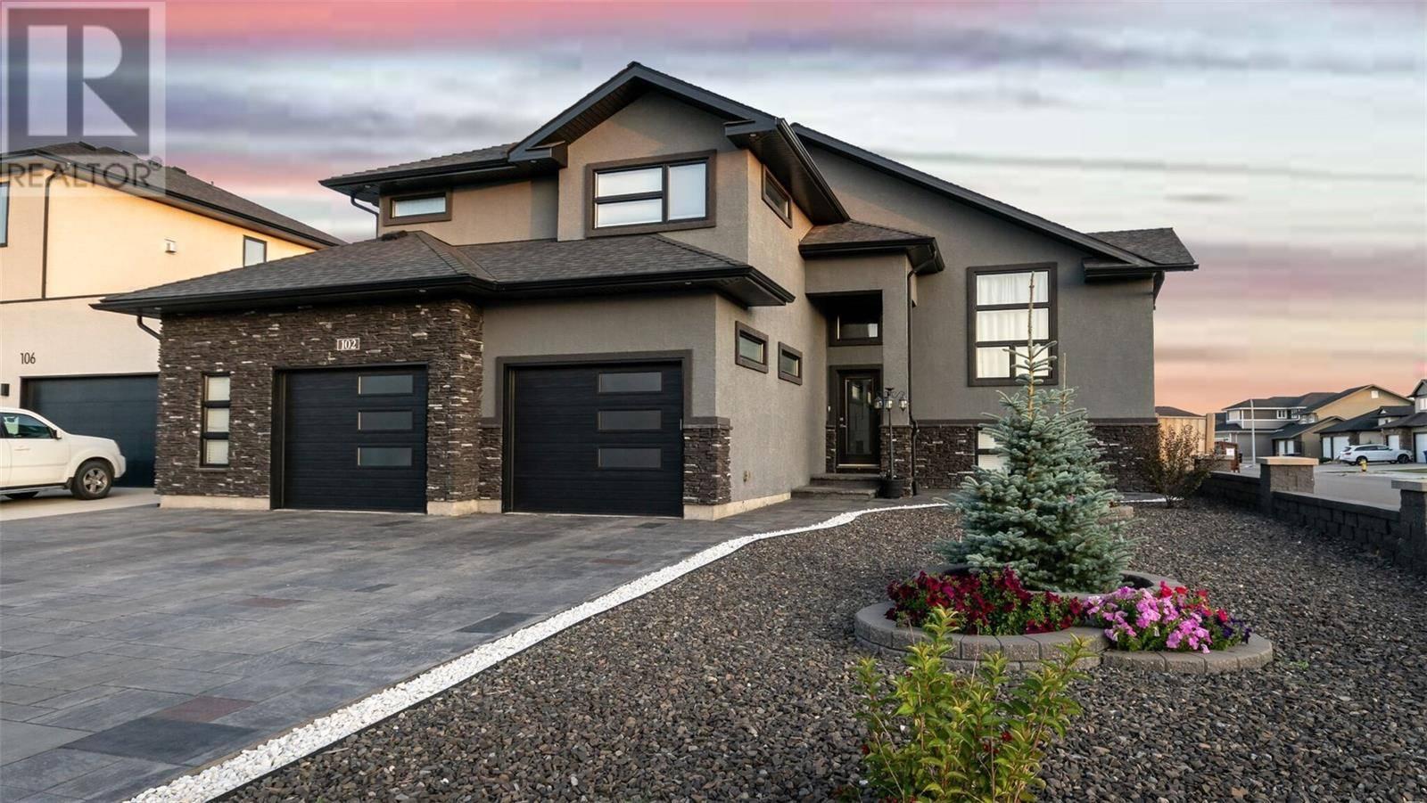 House for sale at 102 Roy Cres Saskatoon Saskatchewan - MLS: SK787193