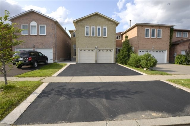 For Sale: 102 Westhampton Drive, Vaughan, ON | 4 Bed, 4 Bath House for $1,248,900. See 20 photos!